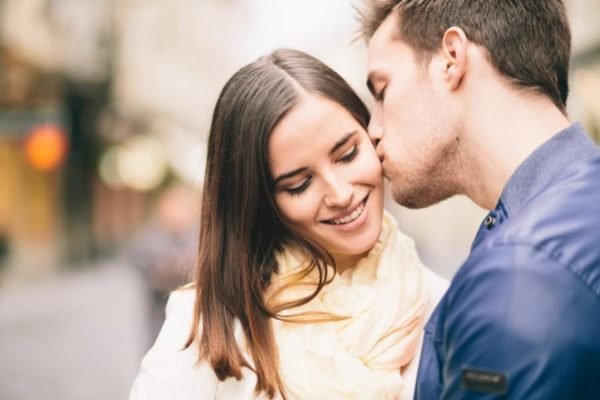 how to kiss a girl romantically for the first time