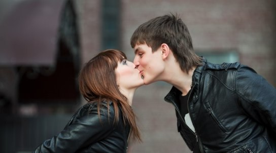 How to Kiss on Lips Kissing Tips for Girls and Boys