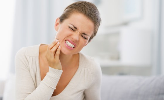 How to Cure a Toothache at Home With Home Remedies