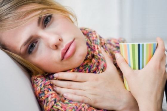 What helps a sore throat how to cure a sore throat