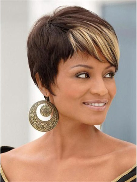 black short hairstyles with highlighted bangs