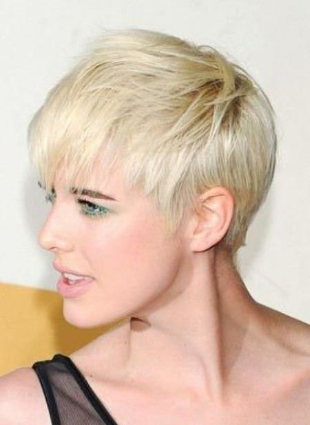 creased pixie short haircuts for added oomph