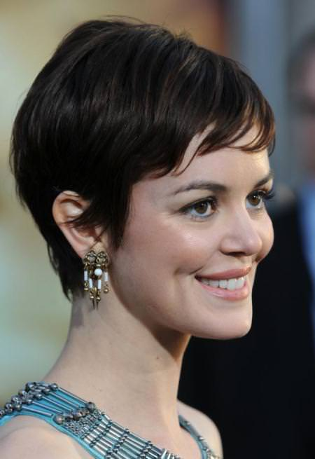 deconstructed pixie hairstyles for round faces