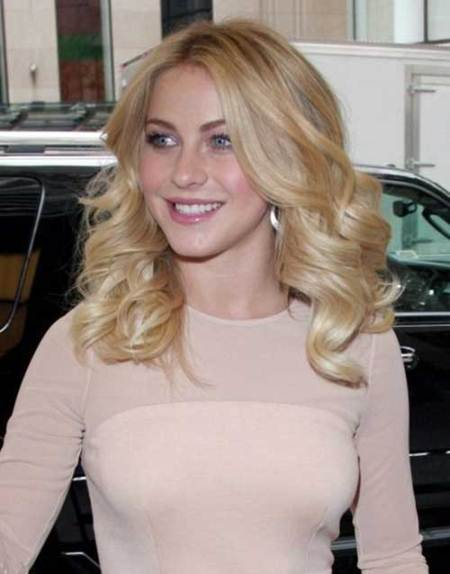 golden curls mid-length hairstyles
