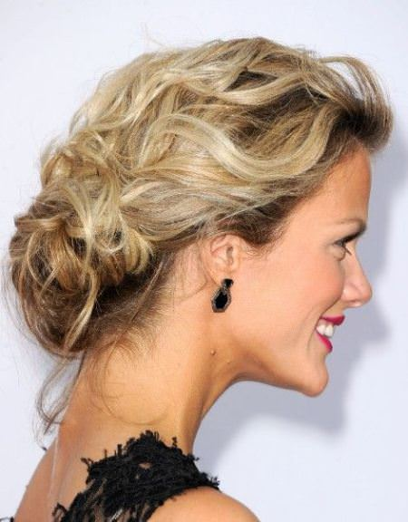 loose and lovely updo hairstyles for women