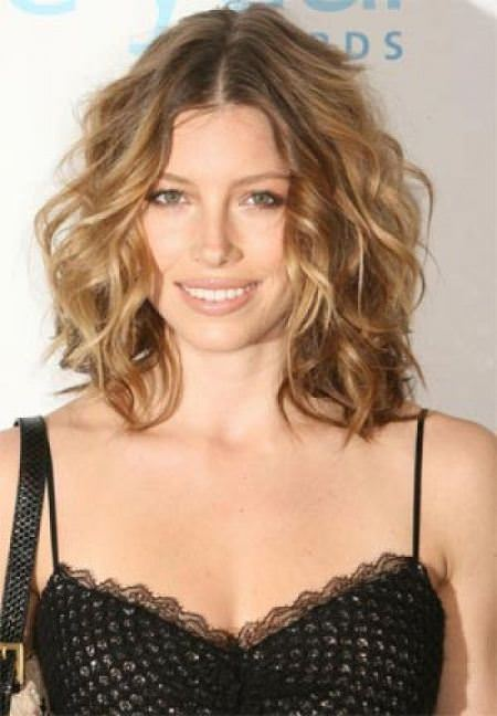 messy lob hairstyles for women over 40