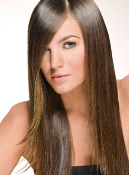 straight hair with a side part straight hairstyles