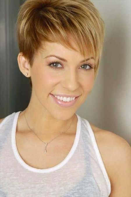 sweet asymmetrical pixie short haircuts for added oomph