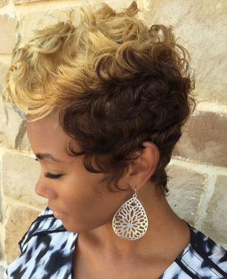 two tone curls short haircuts for added oomph