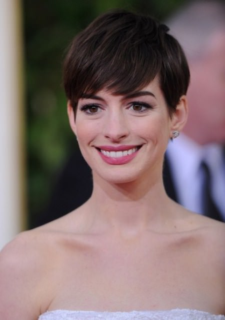 Perfect brunette pixie short haircuts for women