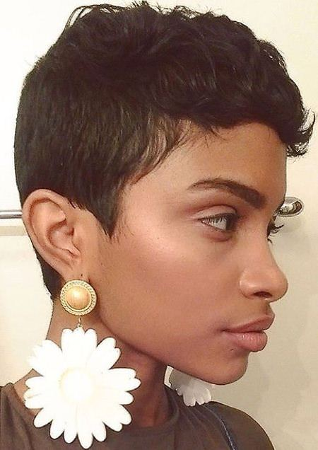 Short and Chic natural hairstyles for short hair