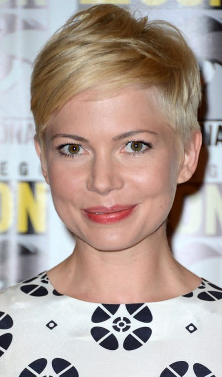 blonde and polished short straight hairstyles