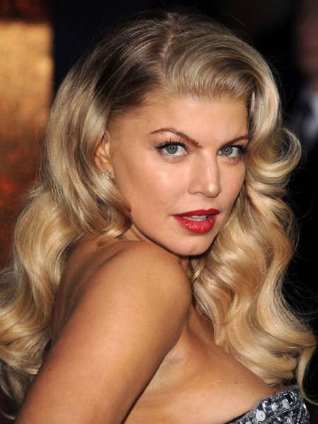 large glossy waves christmas and new year eve hairstyles