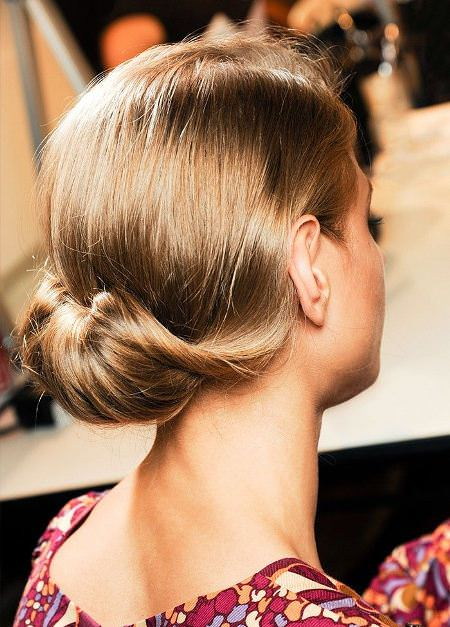 low twisted chignon christmas and new year eve hairstyles