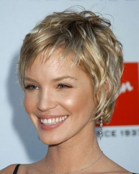 messy pixie short hairstyles for thick hair
