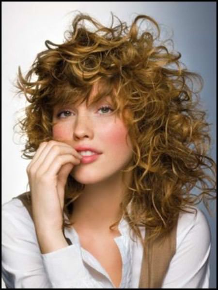 tousled curls medium curly hairstyles for every occasion