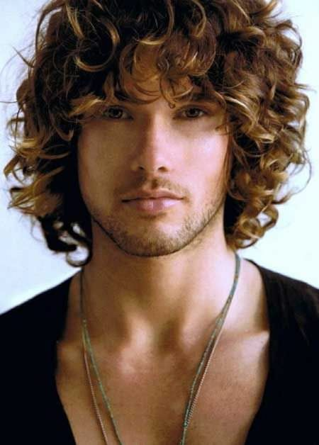 Serenade Swooner Ideas for Curly Hair
