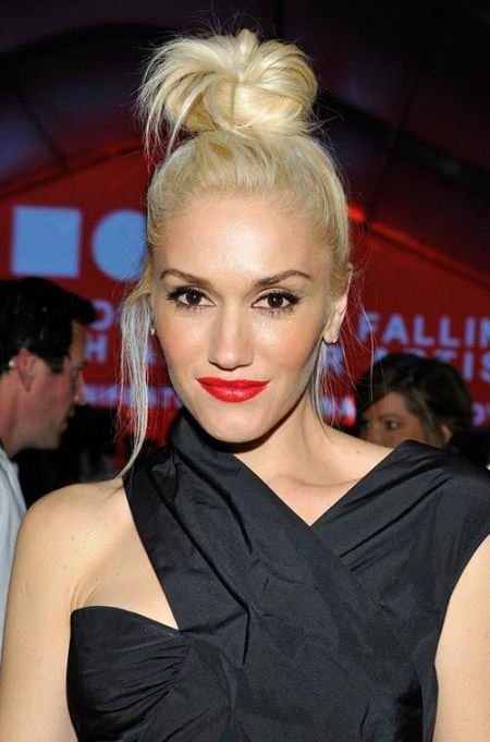 blonde top knot celebrity looks with long blonde hairstyles