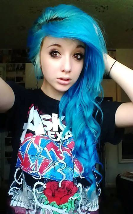 blue emo hair with curly edges emo hairstyles for girls