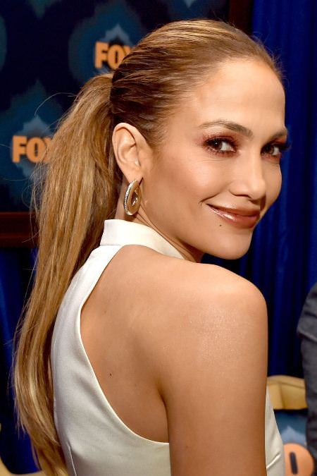 high pony celebrity looks with long blonde hairstyles