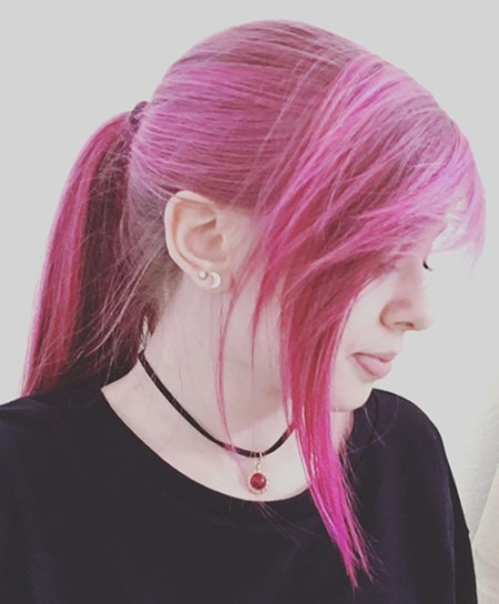pink ponytail with side bangs emo hairstyles for girls