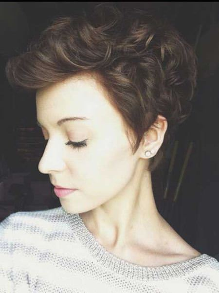 sweet and sophisticated wavy pixie cuts