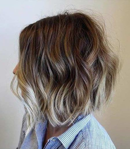 A line bob with blonde balayage lowlights balayage short hair looks