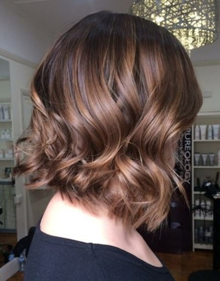 Soft wavy brown bob with shaggy ends balayage short hair looks