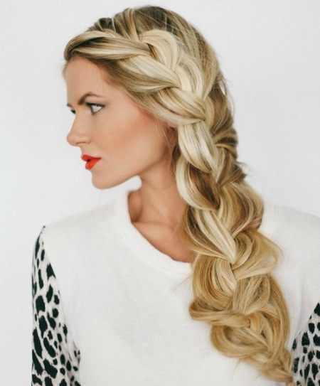 messy and loose side braid hairstyles