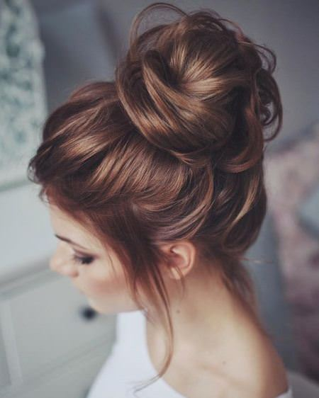 messy topknot ideas for brides