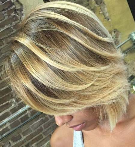 perfect short blonde bob balayage short hair looks