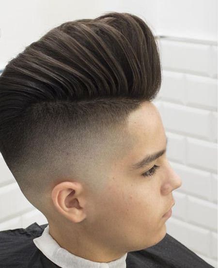 pointing forward pompadour hairstyles for men
