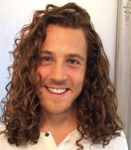 Natural volume urly hairstyles for men