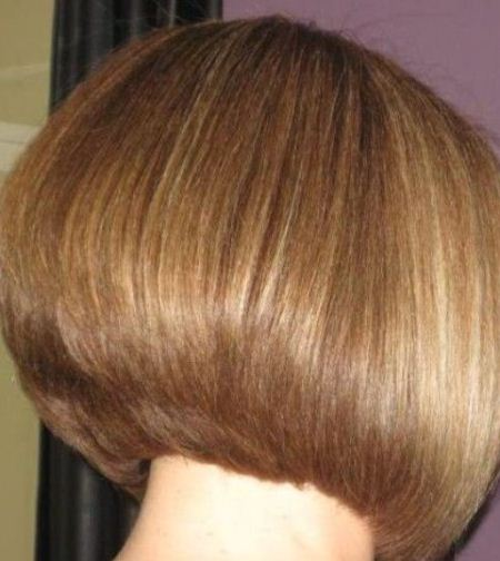 Sleek and straight short blonde hairstyles and haircuts