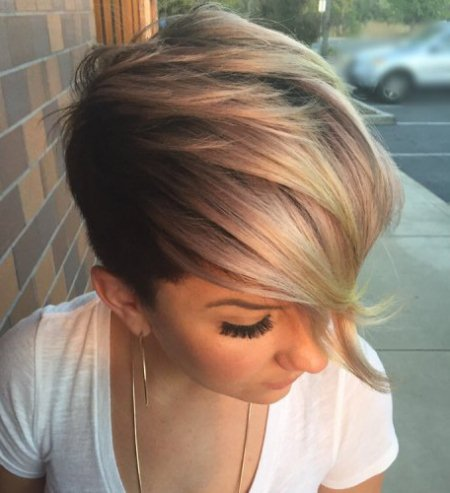 Swooping golden pixie short blonde hairstyles and haircuts