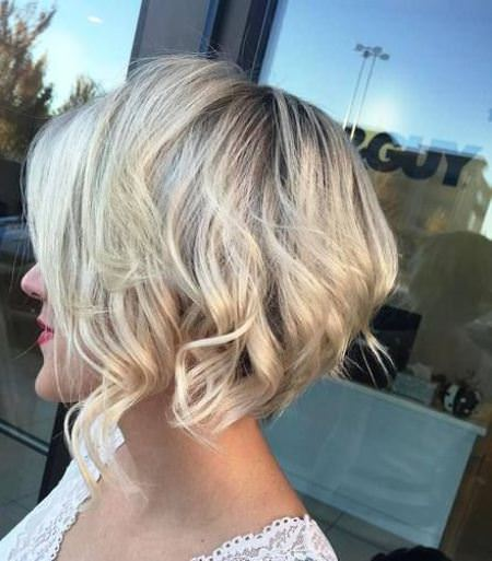 short blonde bob with soft layering short blonde hairstyles and haircuts